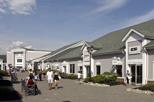 Get all of the deals, sales, offers and coupons here to save you money and time while shopping at the great stores located at Woodbury Common Premium Outlets®.